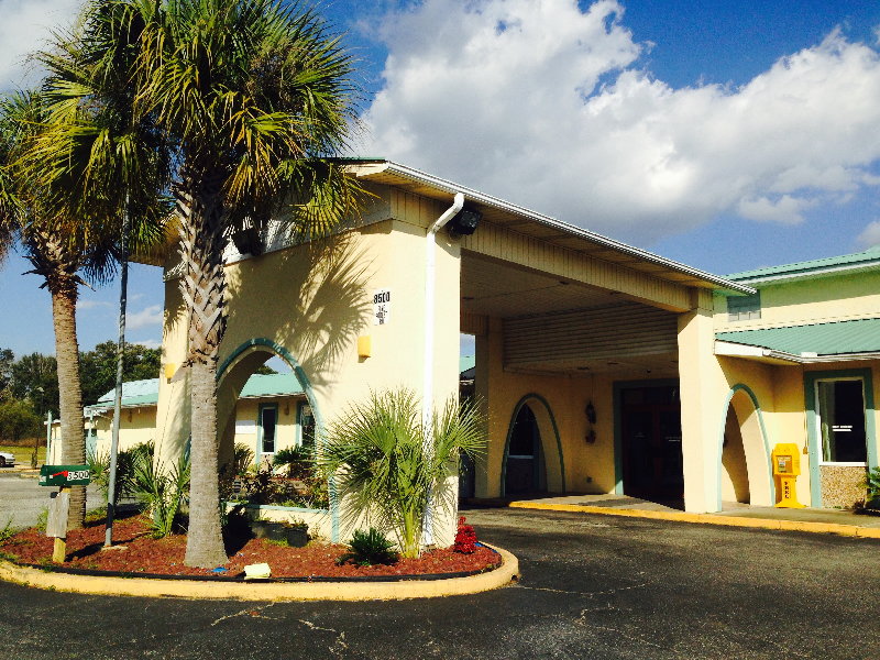 Local Restaurants And Dining Pensacola Hotels Garden Inn And